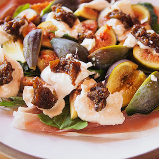 Fig, Prosciutto and Burrata Salad With Creamy Balsamic Vinaigrette.