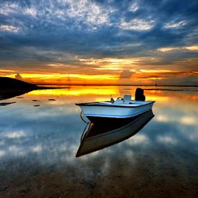 Morning in Sanur by Hendri Suhandi - Landscapes Travel ( shore, bali, sanur, travel, beach, sunrise )