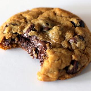 Brown Butter Nutella-Stuffed Pumpkin Chocolate Chip Cookies