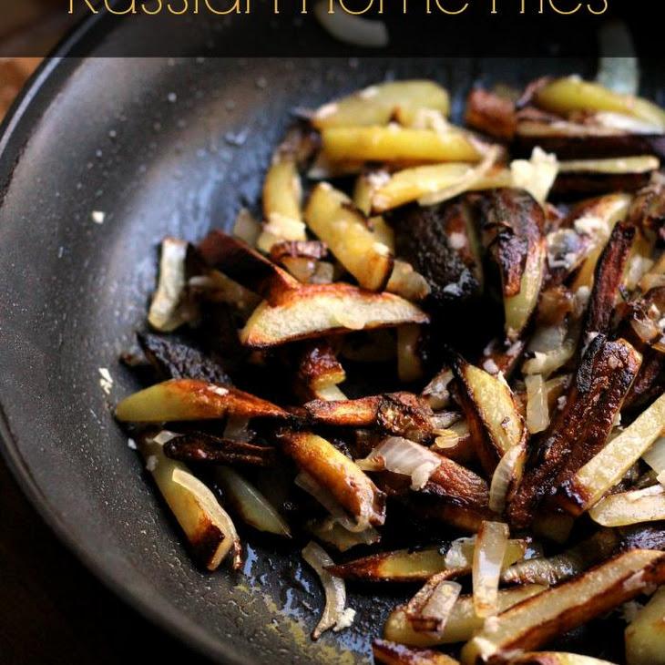 Russian Style Home Fries with Creamy Garlic Sauce…ЖАРЕНАЯ КАРТОШКА…25 Days of Holiday Treats Recipe
