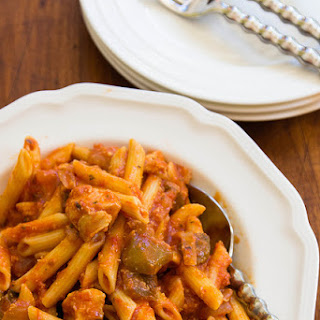Chicken Penne Pasta With Bell Peppers Recipes.