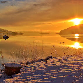Here comes the sun....... by Hilde Lorgen - Landscapes Sunsets & Sunrises ( love, notat, winter, sunset, sea )