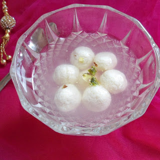 Rasgulla -Famous Bengali Sweet | Indian Sweet