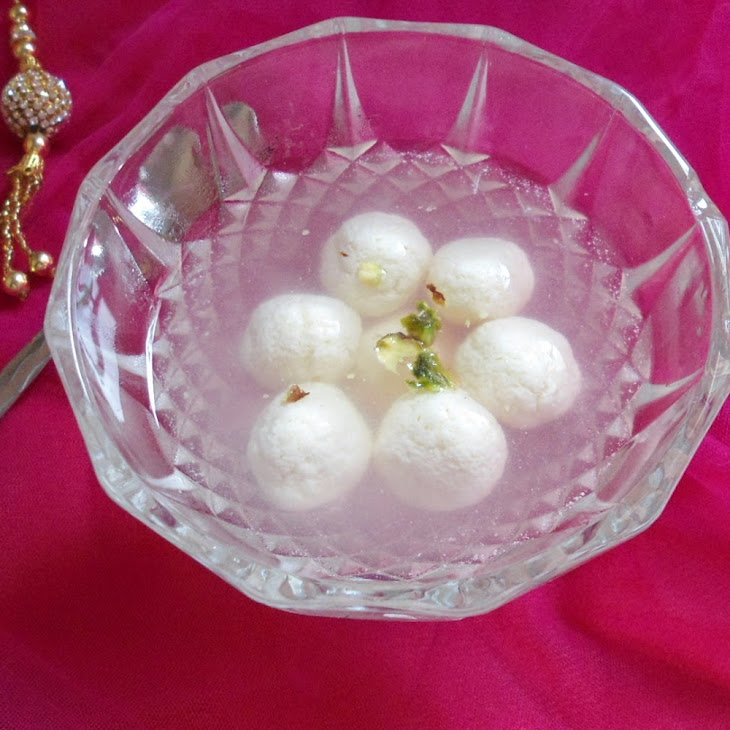 Rasgulla -Famous Bengali Sweet | Indian Sweet