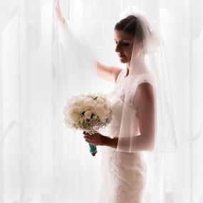 St by Luca Bonisolli - Wedding Bride
