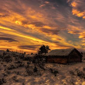 Utvikfjellet by Rune Askeland - Landscapes Sunsets & Sunrises ( clouds, cabin, winter, mountain, snow, morning )