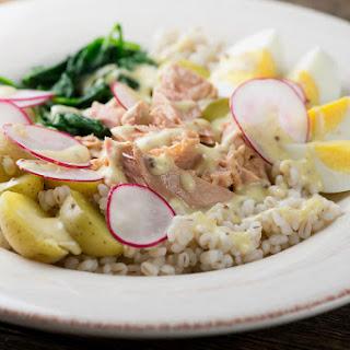 Tuna with Spinach, Potatoes and Radishes.