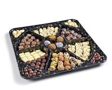 פלטת מסיבה - מארז חגיגי לאירועים - פרלינים , טראפלסים וחטיפי שוקולד