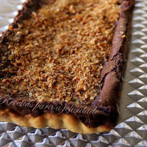 Chocolate Pie with Hazelnuts