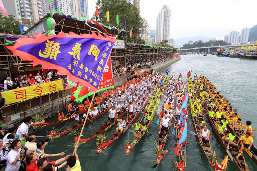 Hong-Kong-dragonboat1 - In Hong Kong, an ancient Chinese festival — the Hong Kong Dragon Boat Carnival — has become one of the world's great parties.