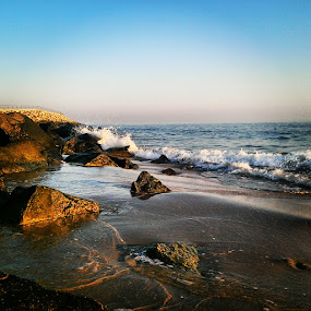 by Morgentau ;) - Instagram & Mobile Android ( lato, water, sand, woda, waves, strand, morze, sea, sommer, beach, meer, piasek, wellen, felsen, plaża, wasser, fale, summer, skały, rocks,  )
