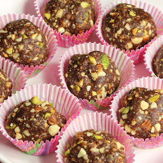 Date and Nut Ladoo.