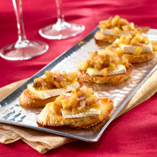 Brie & Spicy Apple Chutney On Baguette Toasts.