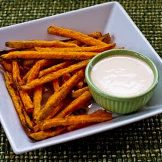Recipe for Spicy Dipping Sauce with Sriracha for Sweet Potato Fries or Roasted Vegetables