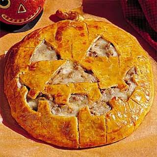 Jack-O'-Lantern Cheeseburger Pie.