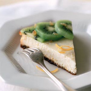 Ricotta Cheesecake with Ginger and Kiwi