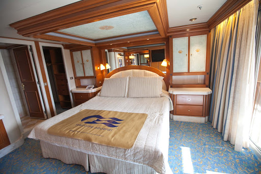 Star-Princess-Grand-Suite-bedroom - The bedroom in the Grand Suite, room B748 on deck 11, of Star Princess.
