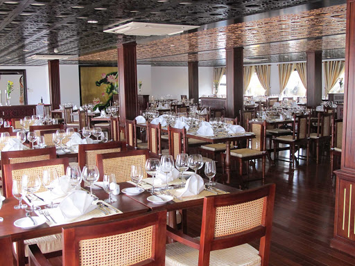 AmaLotus-Restaurant - The restaurant aboard AmaLotus combines old-time elegance with regional Khmer flavorings.