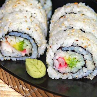 Uramaki (Inside-out Roll).