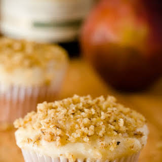 Riesling Cupcakes with Pear Mascarpone Frosting (Gluten-Free Cupcakes).