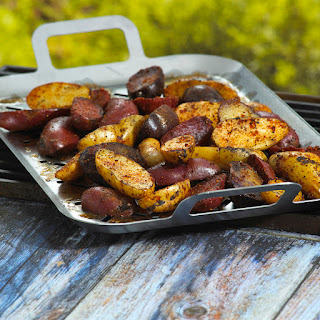 Flame-Licked Fingerling Potatoes with Spud Rub