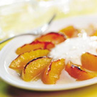 Geroosterde Perziken Met Vanille-gemberroom