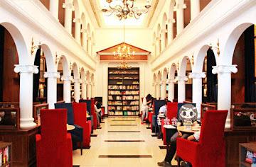 Moooon River Cafe & Books