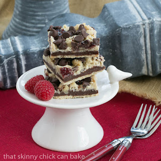Chocolate Raspberry Crumb Bars #TwoSweetiePies