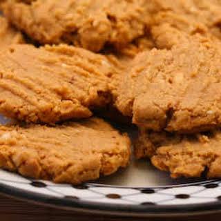 Flourless, Sugar-Free Peanut Butter Cookies.