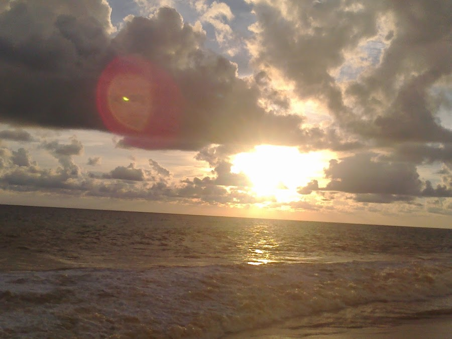 Sun in the Cloud by Mayank Naharia - Novices Only Landscapes ( lumia, cloud, kerala, beach, sun )