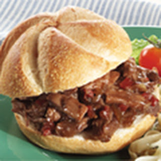 Slow Cooker Hearty Bbq Beef Sandwiches.