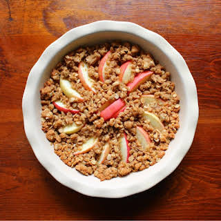 Easy Apple Crumble Recipe with Oats.