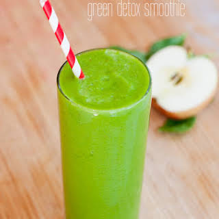 Hello Beautiful! Green Detox Smoothie.