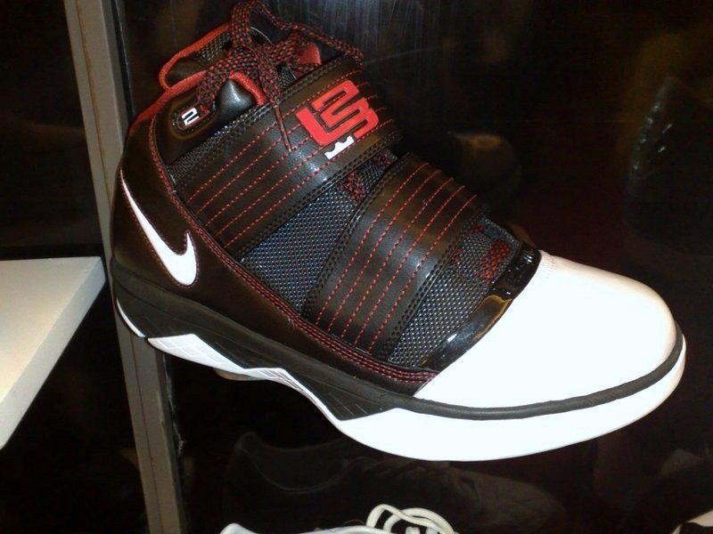 outlet store a9d16 e601f Another Look at the 2009 Nike Zoom Soldier III 8211 Real Pics ...