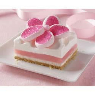 Strawberry Creme Bars with StrawberryMallows Flowers.