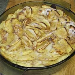 Cinnamon-flavoured Apple And Sultana Clafoutis