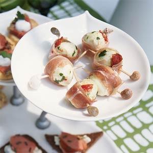 Prosciutto-wrapped Mozzarella