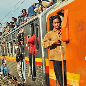 kereta api jabotabek 3 by Ahmad Yahya - Transportation Trains ( kereta api, transportasi, jabotabek )