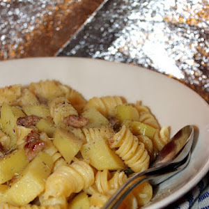 Fragrant Fusilli with Crispy Sausage