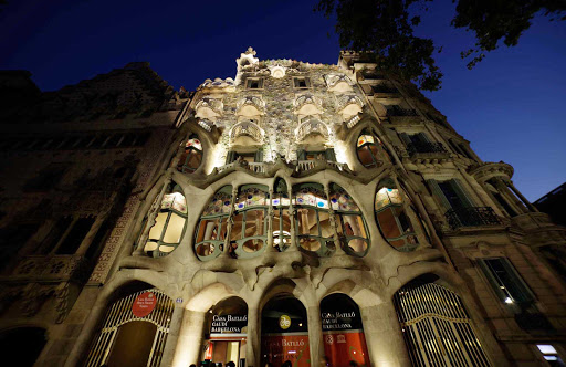 Casa-Batllo-Barcelona-at-night - Casa Batlló in the heart of Barcelona is one of the most famous art buildings in Spain.
