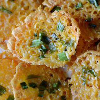 Crispy Cheddar Cheese and Green Onion Chips! {THM S}