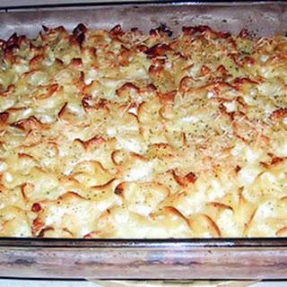 Lokshin Kugel (Noodle Pudding)