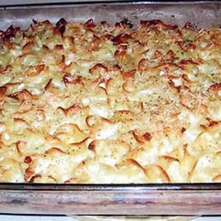 Lokshin Kugel (Noodle Pudding).