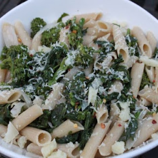 Spicy Braised Broccoli Rabe with Quinoa Pasta