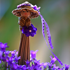Little Lady by Viorel Stanciu - Flowers Flower Arangements ( arrangement, flower art, lady, flower arrangement, flowers, flowers photo, Flowers, Flower Arrangements,  )