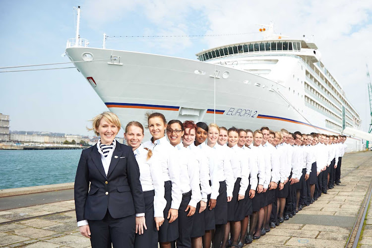 Quite a lineup! The cheerful, experienced, bilingual (German-English) crew standing astride Europa 2.