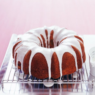 Apple-Cinnamon Bundt Cake.
