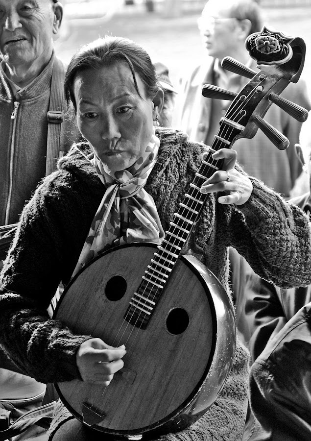 Concentration by Francisco  Little - People Street & Candids ( music, park, musician, guitar, beijing, china, Travel, People, Lifestyle, Culture )