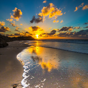 Day Break by Assi Dvilanski - Landscapes Sunsets & Sunrises ( sunsets, palmahim, beach )
