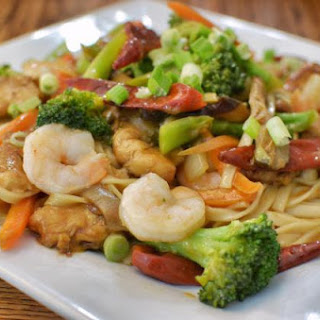 Shrimp Lo Mein With Three Vegetables